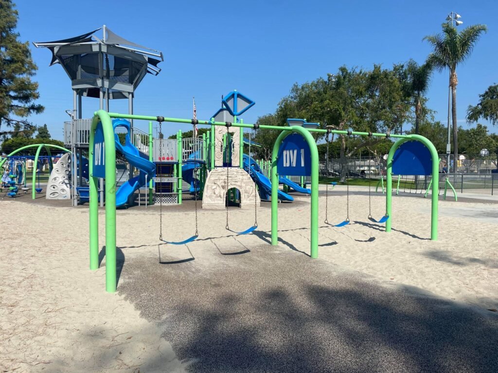 four swings at del valle park